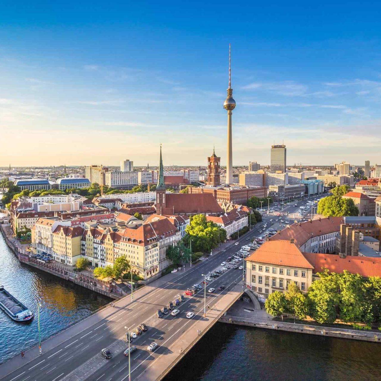 https://www.italiaholiday.it/wp-content/uploads/2018/09/destination-berlin-05-1280x1280.jpg