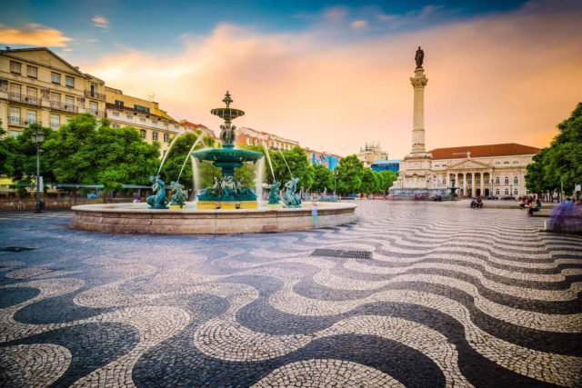 https://www.italiaholiday.it/wp-content/uploads/2018/09/tour-portugal-01-640x427.jpg